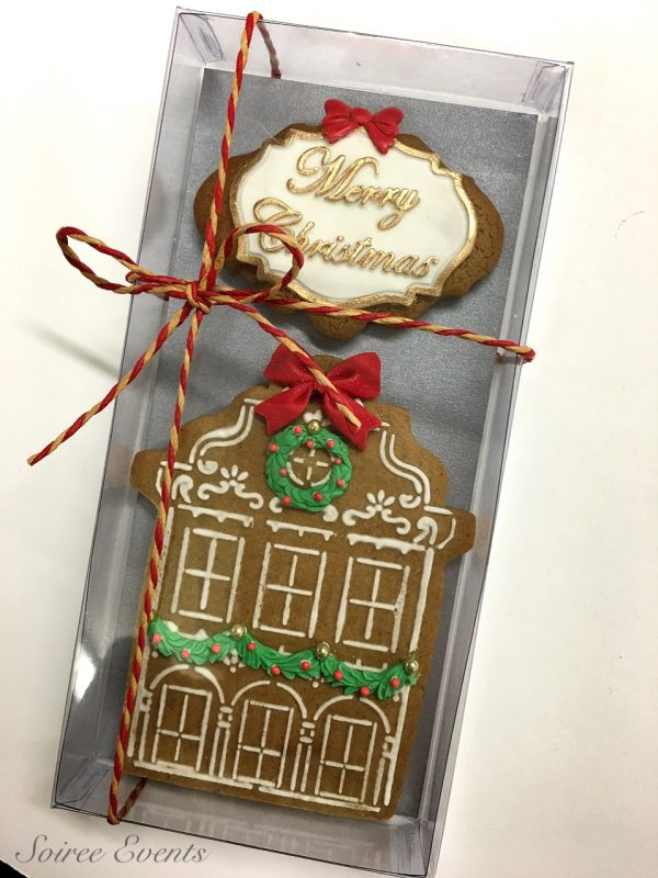 Merry-Christmas-House-cookie-boxed