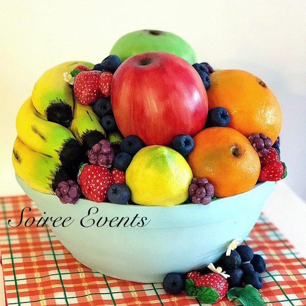 hand sculpted and hand painted 3D fruit bowl cake 2