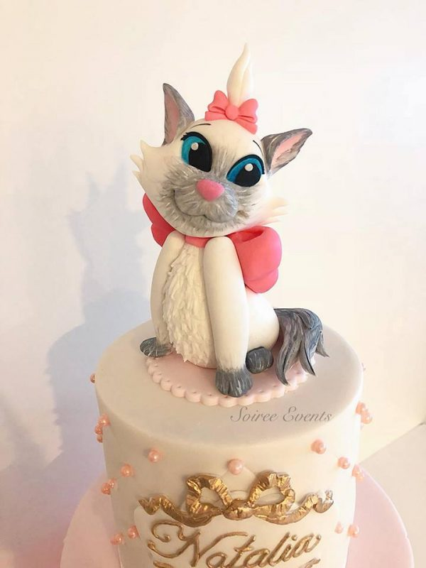 quilted-tutu-cake-with-marie-from-aristocats-2