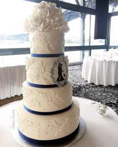 sugar lace and sugar flower wedding cake with silhouette1