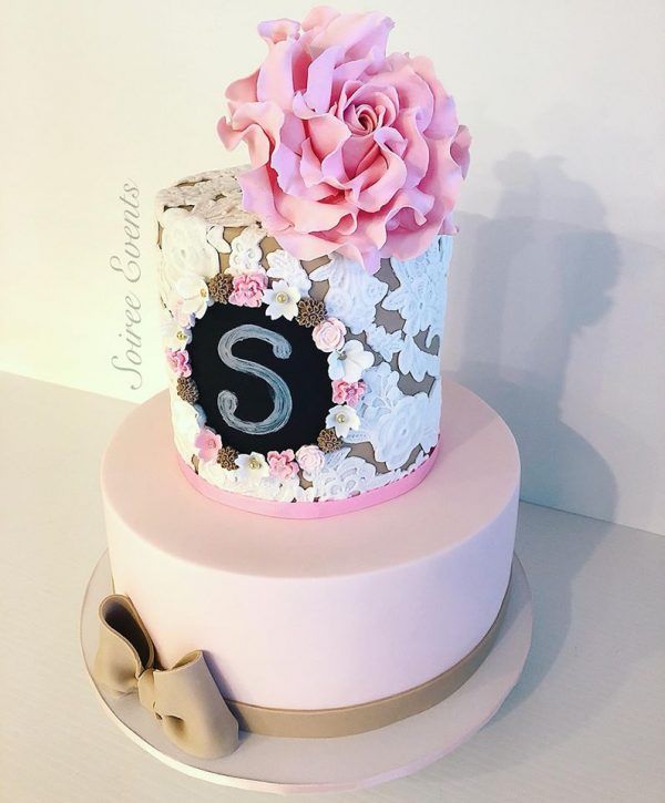 sugar lace cake with chalk board plaque