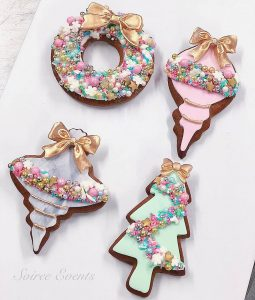 pink and marble christmas cookies