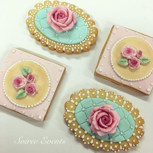 pretty rose cookies