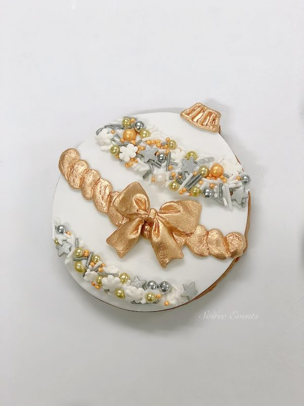 white gold and silver chirstmas bauble cookie
